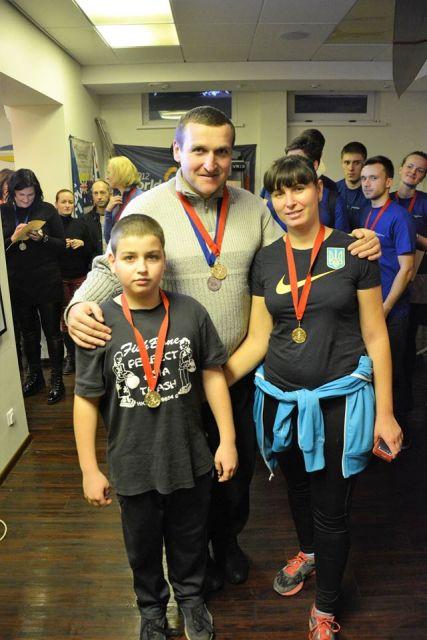 семья с медалями